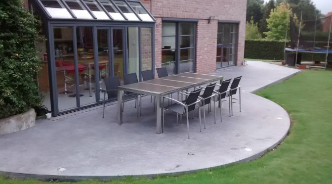 Comment créer une terrasse en béton ?